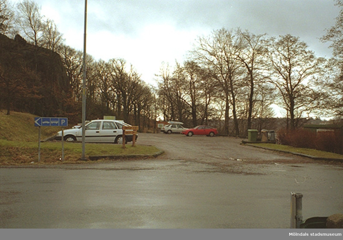 Sedd från Gunnebosidan, norr om John Halls väg, 1995-02-17.