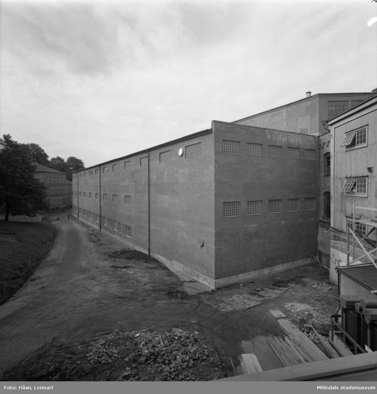 Byggnad nr 20 på Papyrus i Mölndal, 12/9 1963. Exteriör.
