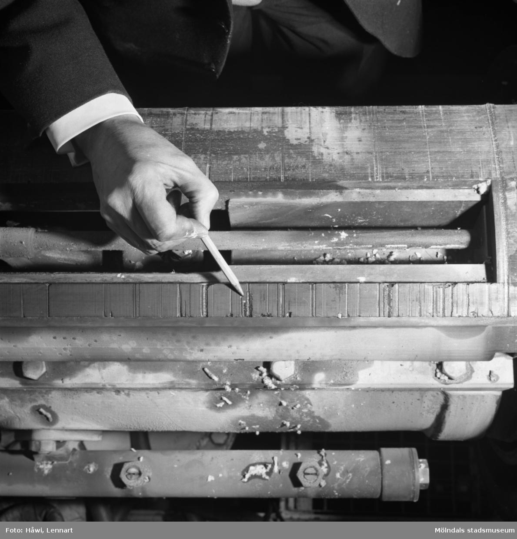 PM5 på Papyrus i Mölndal, 16/2 1966. Sugvalsskada i andrapressfiltens tvättvals.