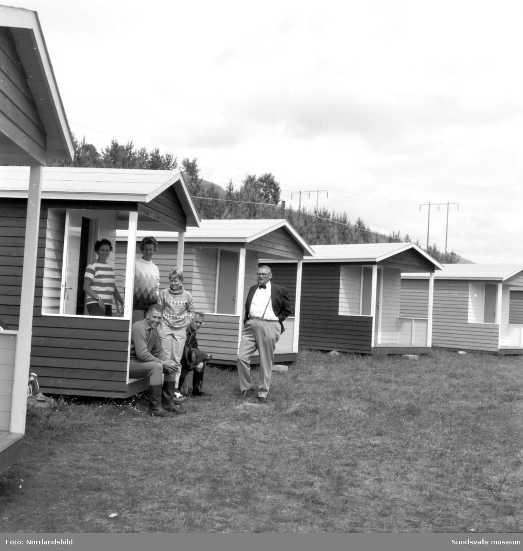 Kävsta camping har fått nya övernattningsstugor. Sista bilden visar Ulla Sjödin som förestod kafé och kiosk.