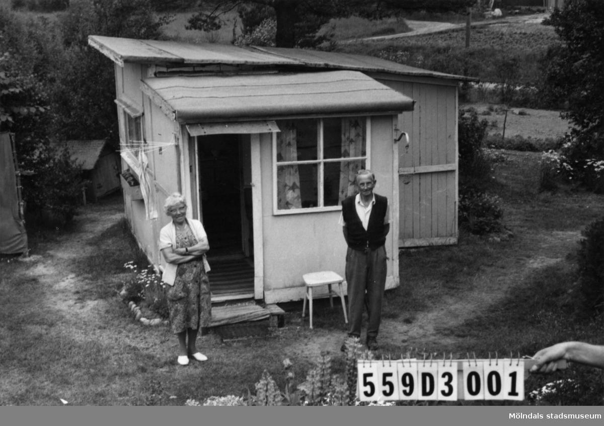Byggnadsinventering i Lindome 1968. Ranntorp 2:12. Hus nr: 559D3001. Benämning: fritidshus. Kvalitet: mindre god. Material: trä. Tillfartsväg: framkomlig. Renhållning: ej soptömning.