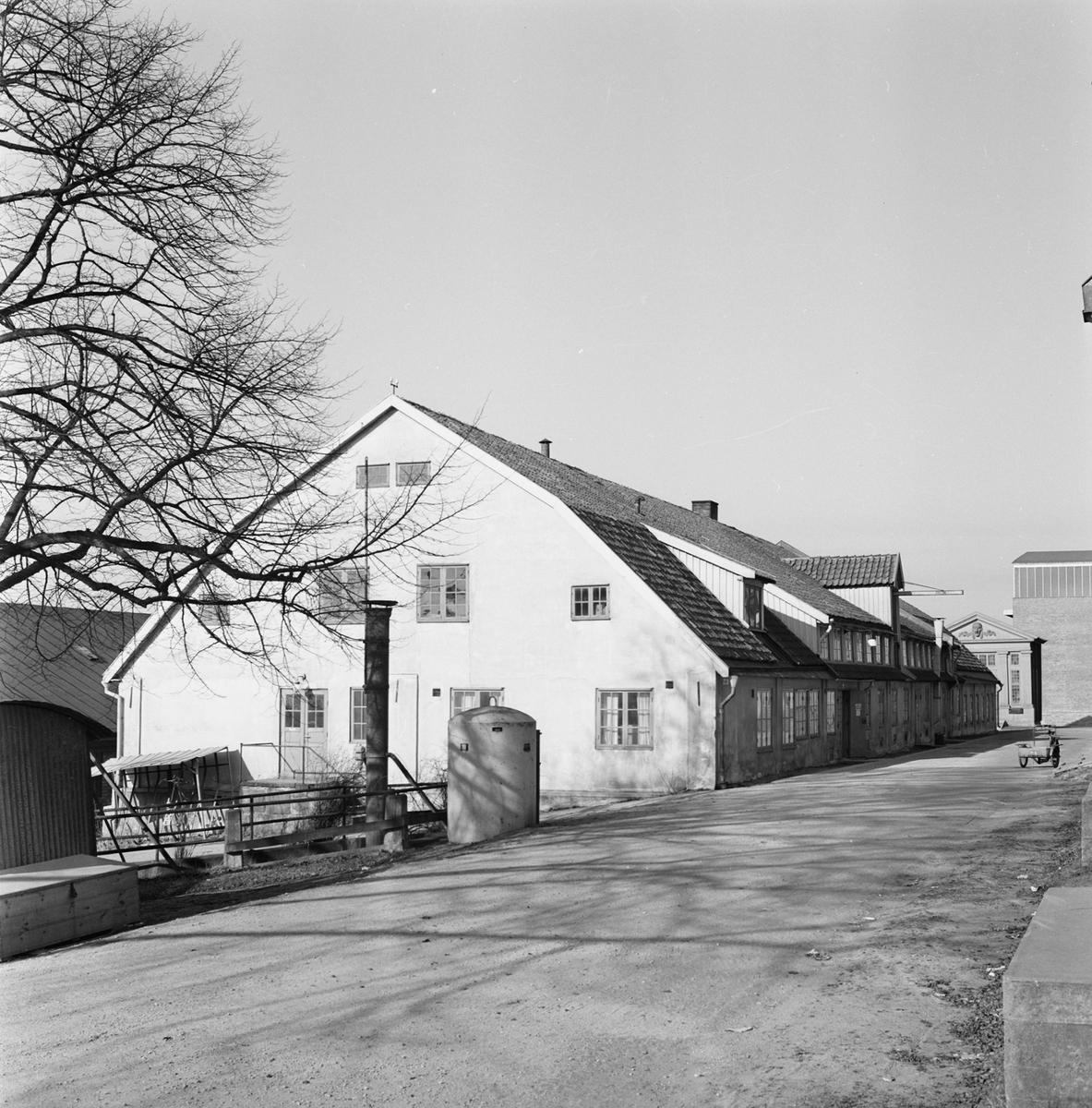 Övrigt: Fotodatum 6/4 1964 Byggnader och Kranar Kansligatan byggnader. Närmast identisk bild: V29280, ej skannad