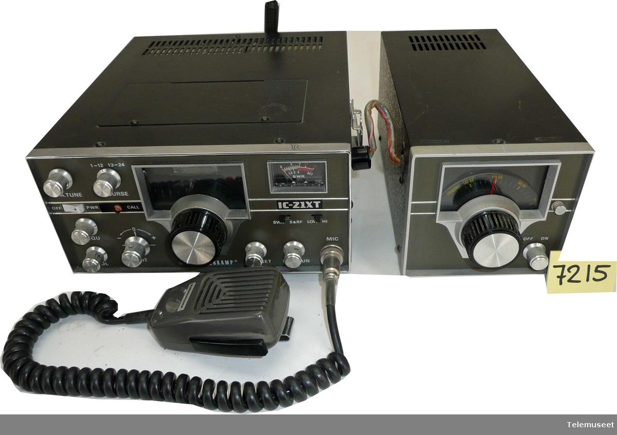 IC-21xT 20 W, VHF-FM, ser no 1083 med VFO VF-221