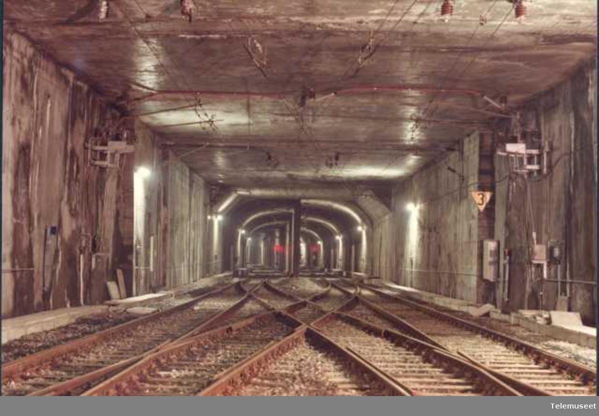 Tunnell, tog, Elektrisk Bureau