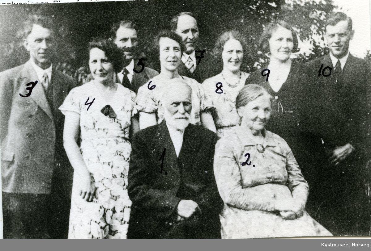 Knut Kristian Kvaale med familie på Vikestad, Vikna