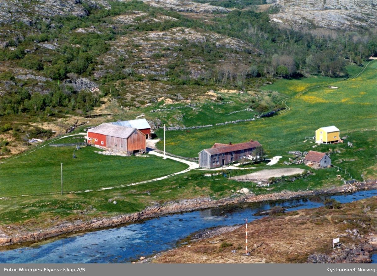 Vikna kommune, Kvalfjord