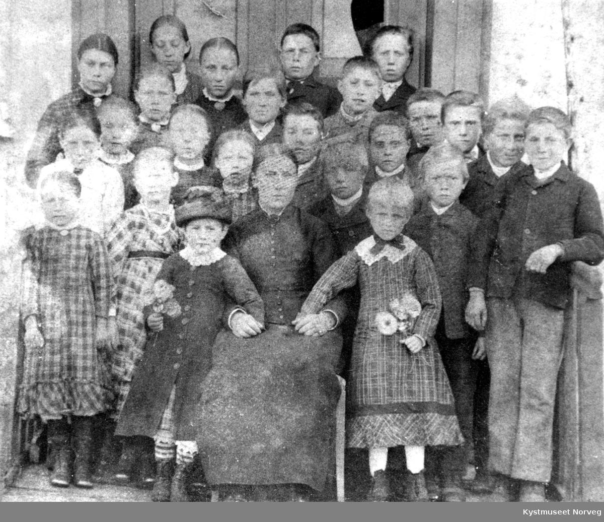 Ukjent lærerinne og elever, Lauvsnes skole