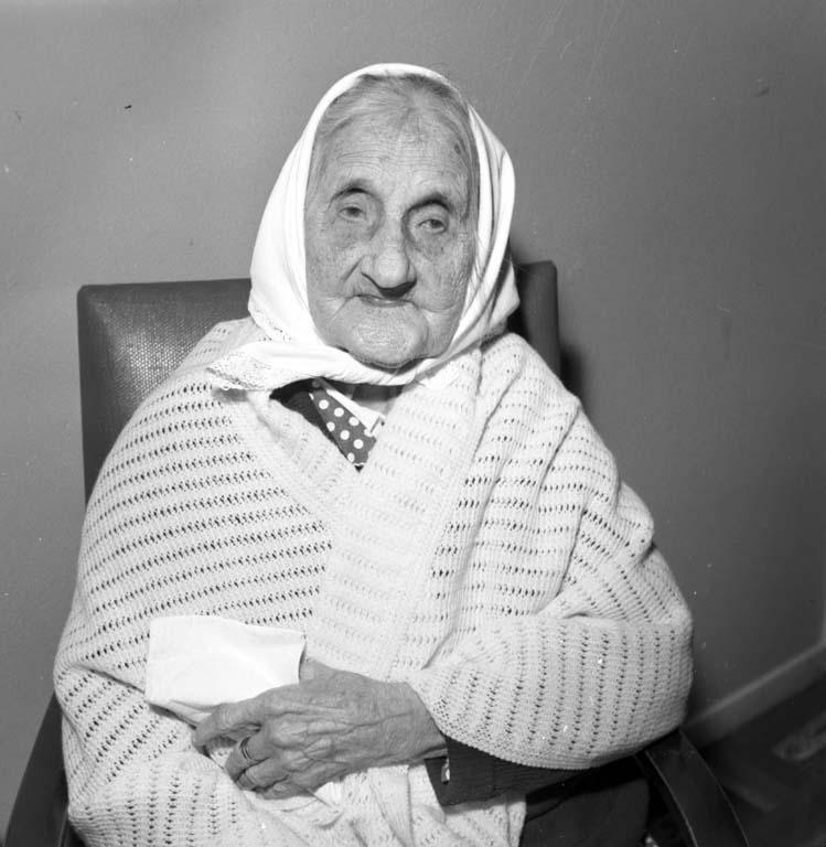 """""""105-årig dam Esperödshemmet december 1959"""""""