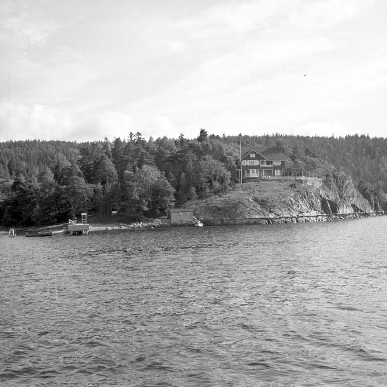 """Enligt notering: """"Båtreportage Byfjorden Juli -60""""."""