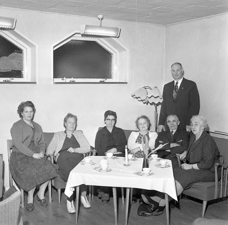 """Enligt notering: """"Pensionärsmöte Hålljutegatan 7 24/1 1961""""."""