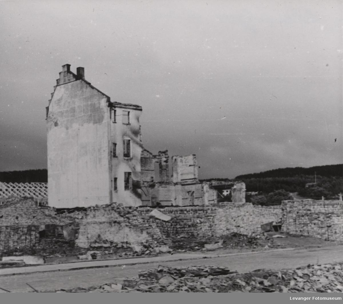 Utbombet bygning i Namsos.