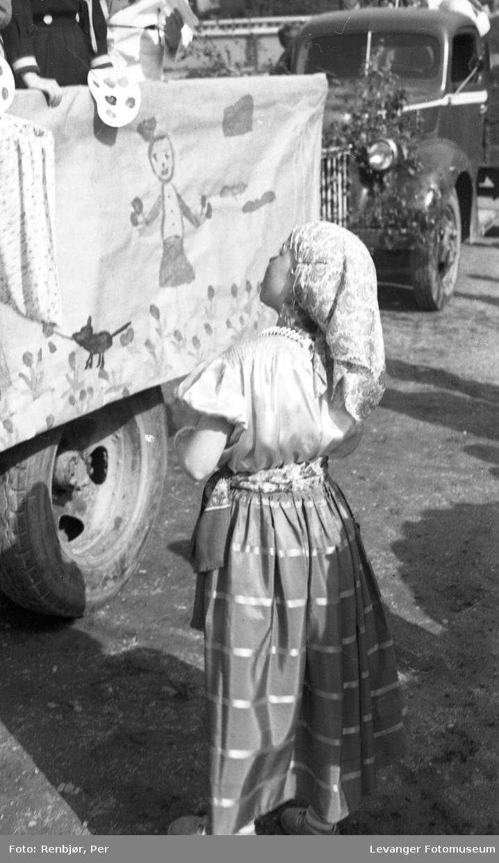 Barnas dag, Levanger,  utkledd jente.