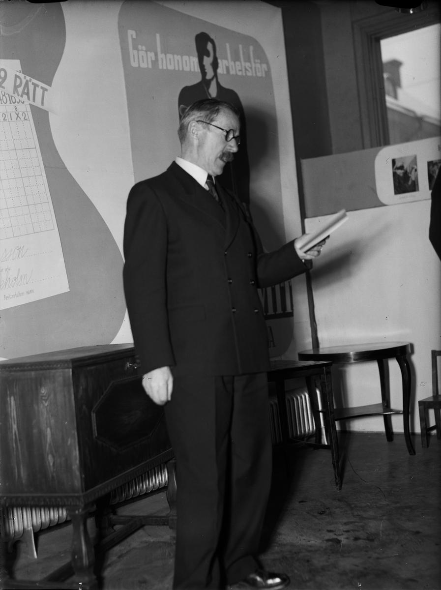 Landshövding Sigfrid Linnér talar, Uppsala 1942