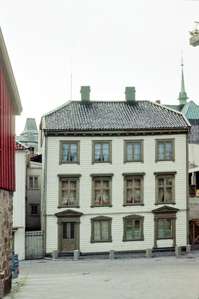 Bybebyggelse, Tyholmen. Kløckers hus, hovedfasade.