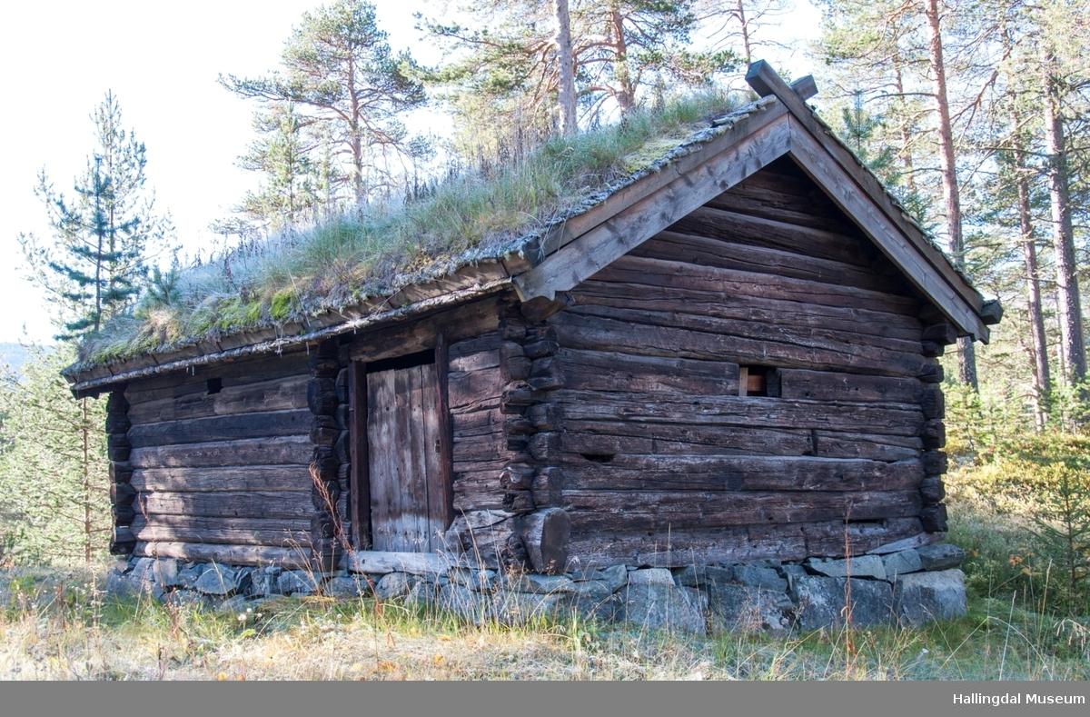 Stølsbu fra Nedre Kløkk, støl til Medhus i Holet