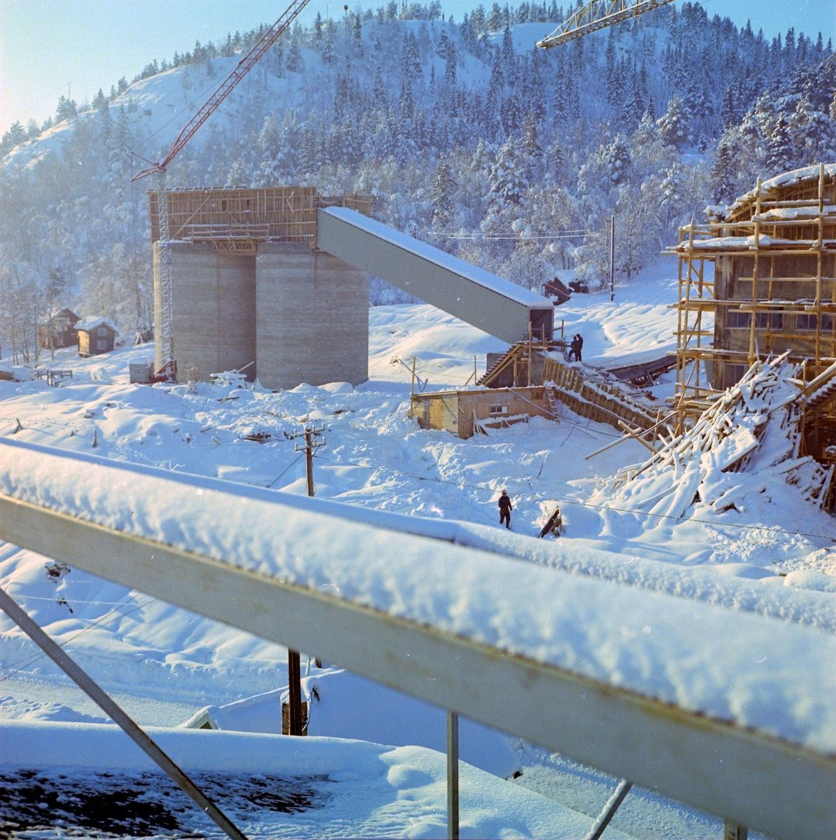 Bygging av knuseri i anlegget ved Løkken