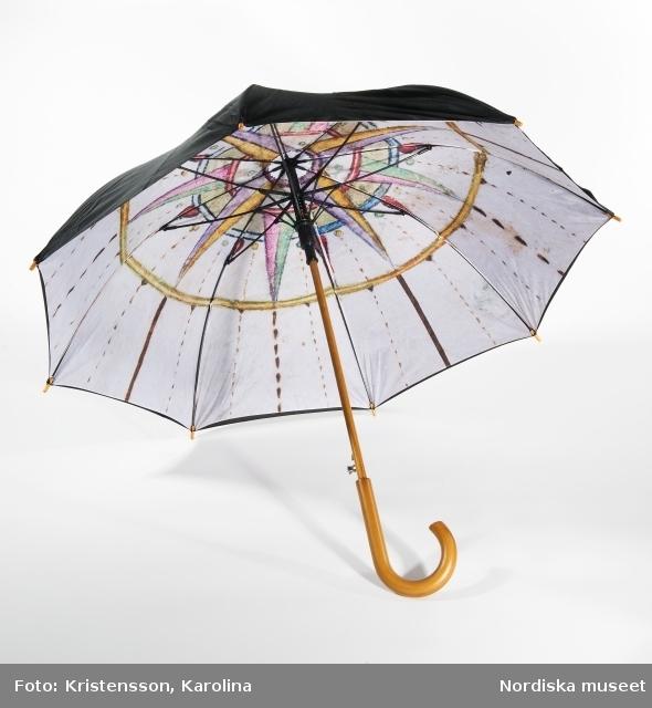 Produkter fotograferade till butiken, paraply, servetthållare, servetter, choklad