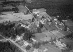 Flygfoto över Kvistbro stationssamhälle.