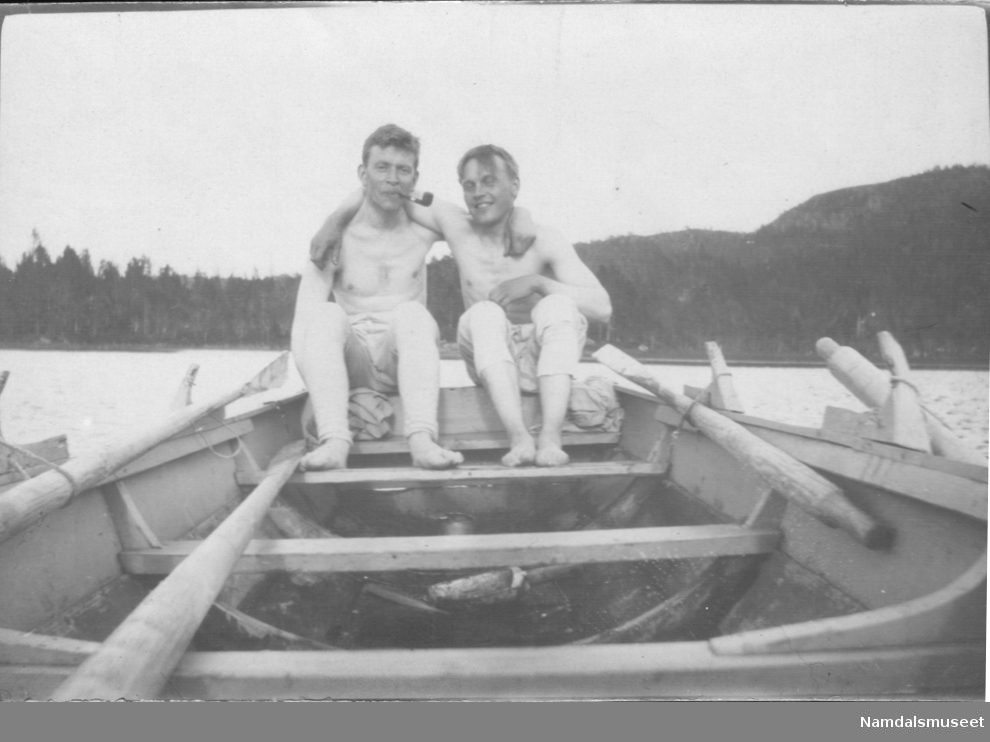 To menn i en båt