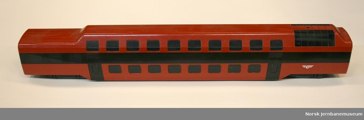 Modell av to etasjes personvogn : skisseprosjekt