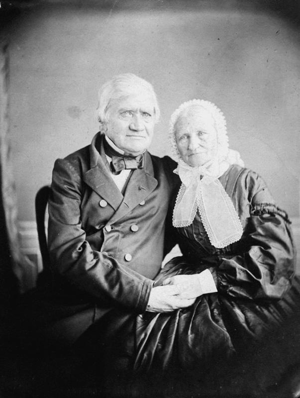 Ett äldre par.Wilhelmina Lagerholms föräldrar: Anna Elisabeth (Ann Lisette) Lagerholm (född Ekman) och Nils Fredrik Wilhelm Lagerholm (1791-1866).(Farfar och farmor till JULIANA (Julia) Lovisa Fredrika Lagerholm, gift med EMIL Magnus Ludvig Mannerfeldt och mor till Bengt Mannerfeldt).Den 29 september 1864.