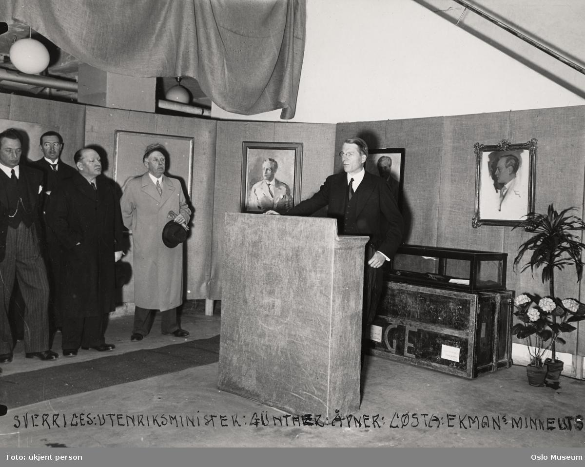 Gösta Ekmans minneutstilling , åpning, menn, utenriksminister, talerstol, malerier