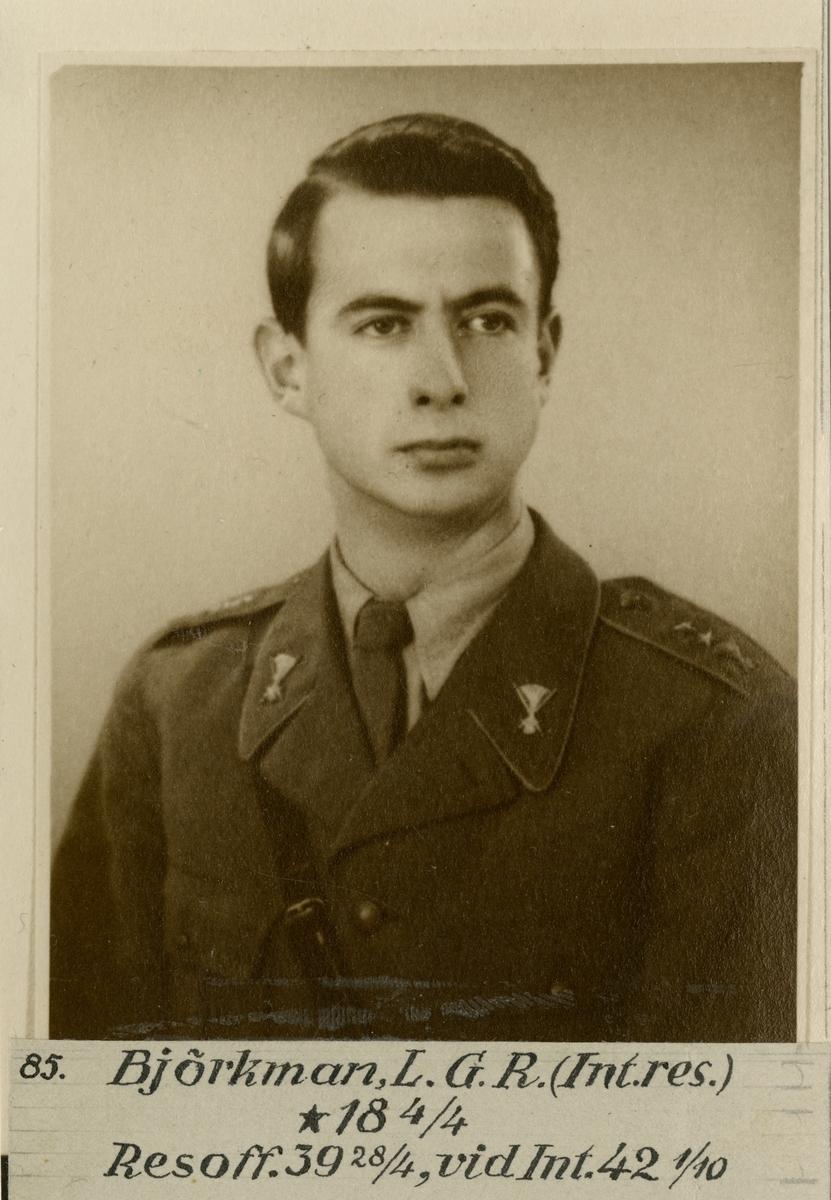 Porträtt av Lars Gunnar Reinhold Björkman, officer vid Intendenturkåren.