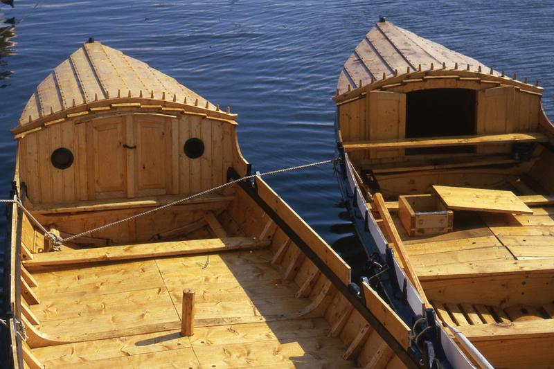Firingen har ikke tradisjonelt hatt løfting, men mange syns det er praktisk med et lite krypinn på turbåten.