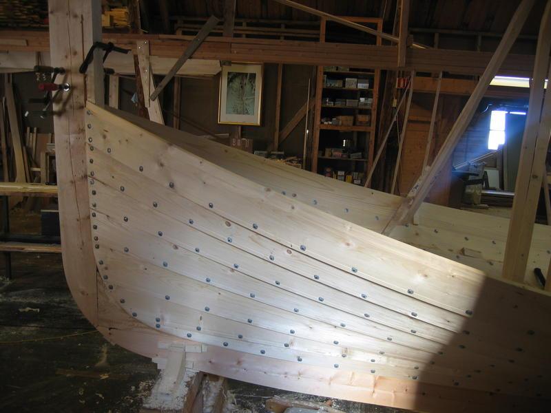 Børsabåten Eivind under bygging. Dette er framstevnen.