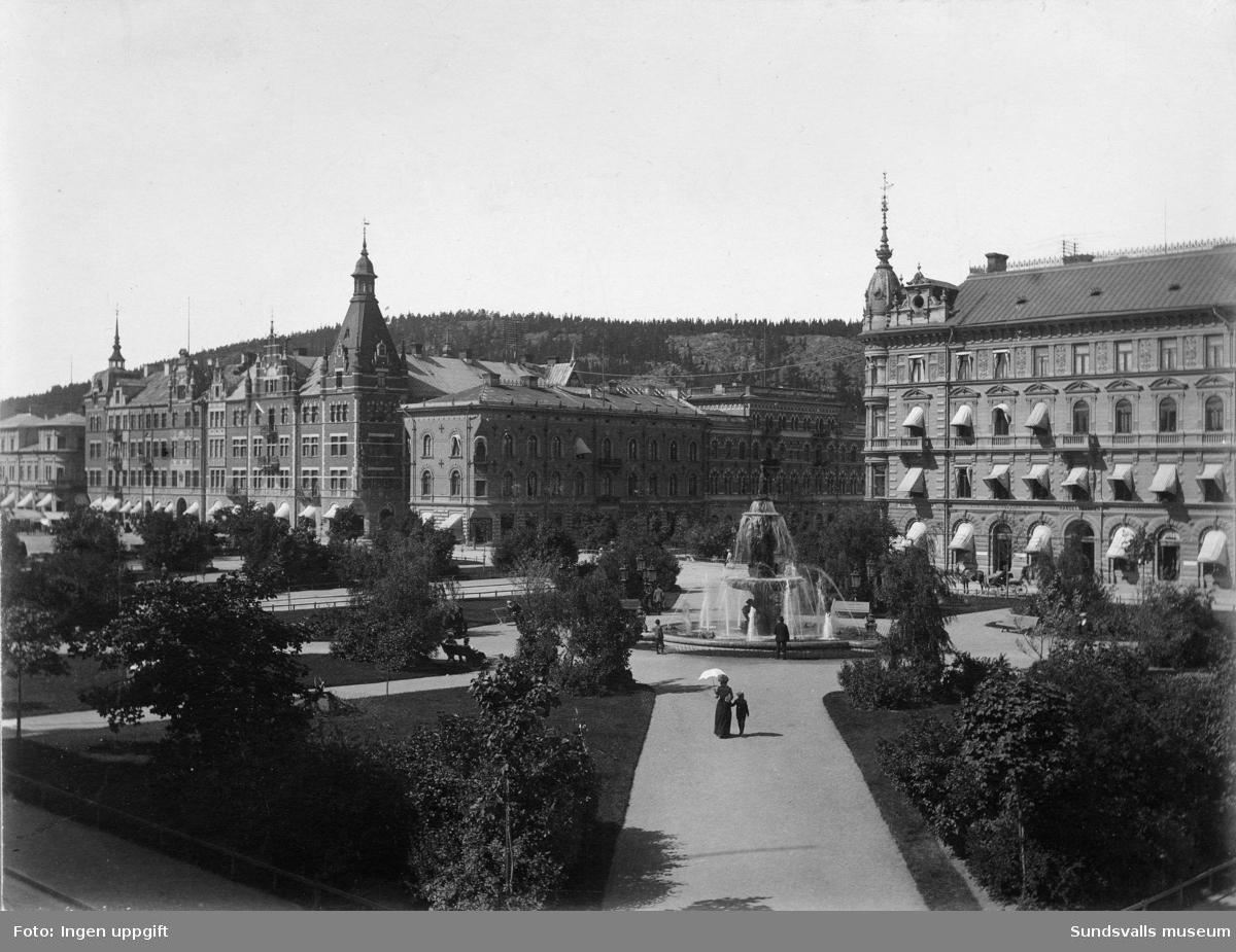 Vängåvan med fontänen samt Storgatan med Kihlmanska huset samt Rahmska huset, Holmströmska och Hirschska huset.
