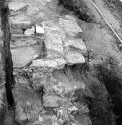 Utgrävning på Kalmar slott, utgrävning av det starkt nedbrut