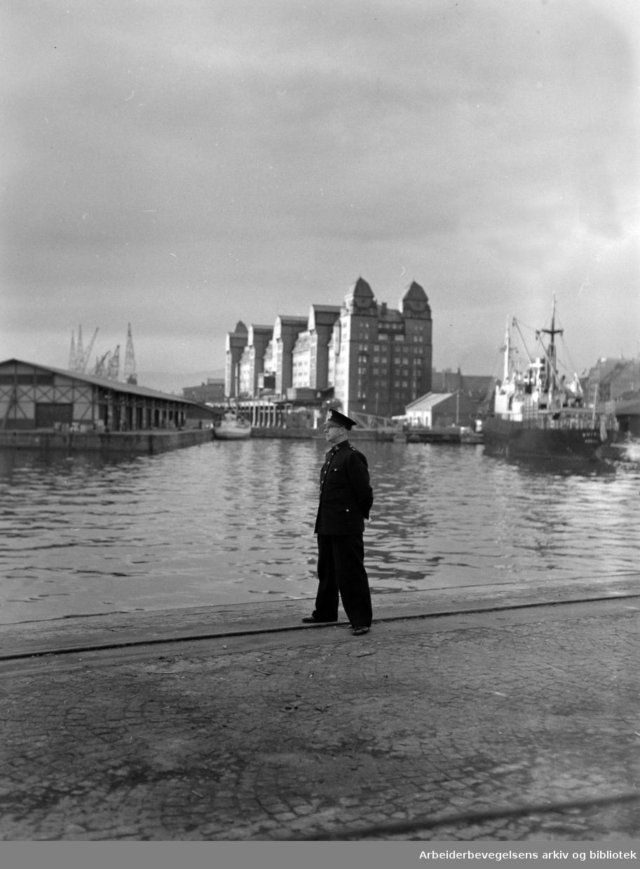 Oslo Havnelager. Politibetjent..1950 - 1959.