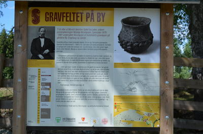 Info board at By. (Foto/Photo)