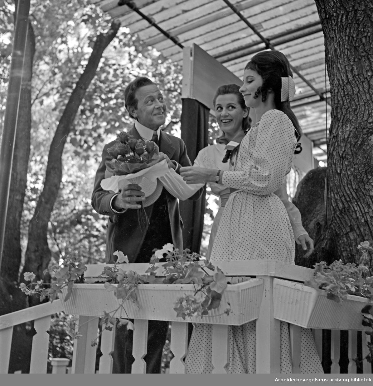 Sommerteatret i Frognerparken: Den spanske flue. 1967..Medv. Vibe Falk, Sigrun Enge Nagelstad og Alfred Solaas.