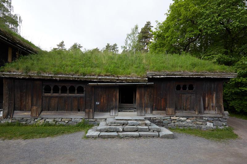 Stue fra Kjelleberg i Valle. Årestue og peisestue.