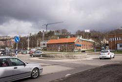 Mölndals brandstation sedd från rondellen på Järnvägsgatan m