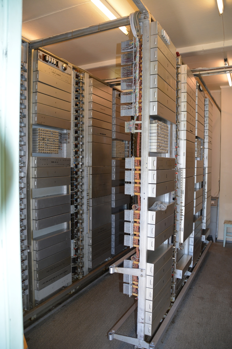 """Berger sentral er en automatiskiosk i tre oppført på bygslet tomt. Berger sentral var opprinnelig på 14 m2. I 1968 ble huset utvidet til 30 m2 for å kunne gi plass til utvidelse av telefonsentralen som da ble på 400 nummer. Sentralen var av typen 7Dd """"høy"""" og levert av STK. Alt det tekniske utstyret var intakt da automatkiosken kom på Telenors verneplan i 1997."""