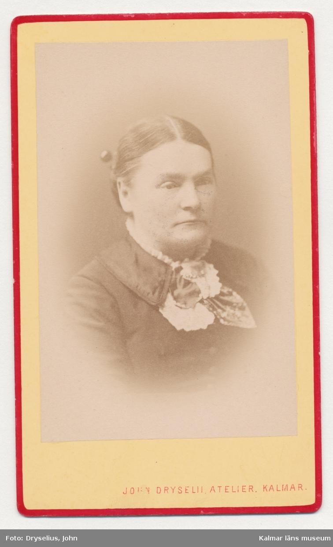 Alina Ädelberg, elev i Rostad-skolan omkring 1868-70. Skolkamrater till Maria Jeansson, född 1854.