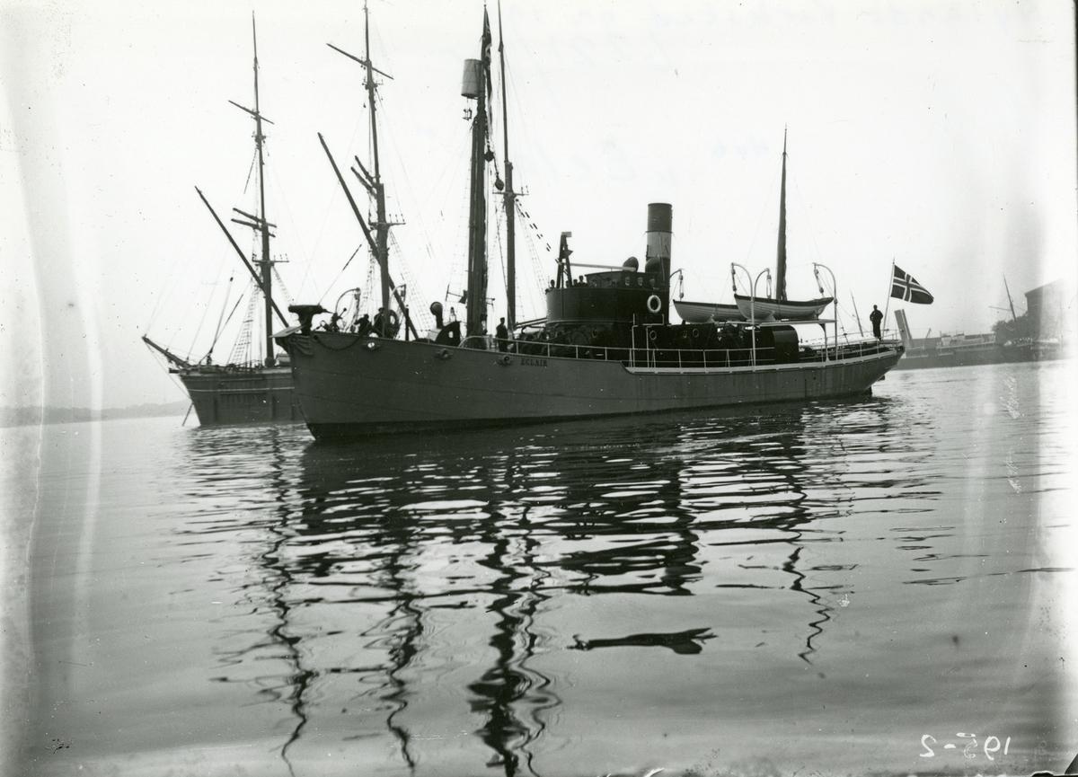 Prøvetur med Hvalfanger-D/S 'Eclair' (b.1908, Nylands Verksted, Kristiania)