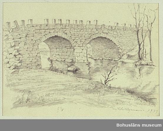 Kuröds bro, Uddevalla. Stenvalvsbro med två spann.