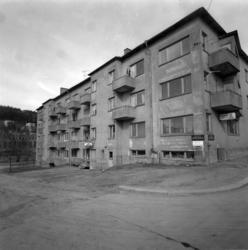 Exteriörbilder på det så kallade Sprickhuset vid Storgatan 4