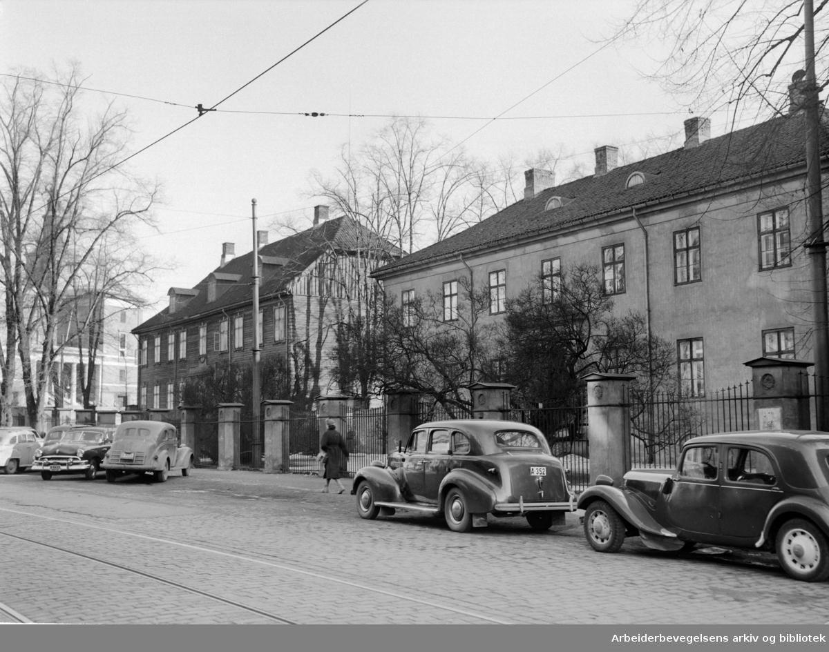 Empirekvartalet (Akersgt. 44).Mars 1953