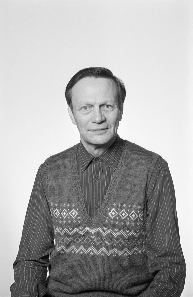 Den välkände skytten Sture Brolund från Arvika hos fotografen den 5 november 1984.