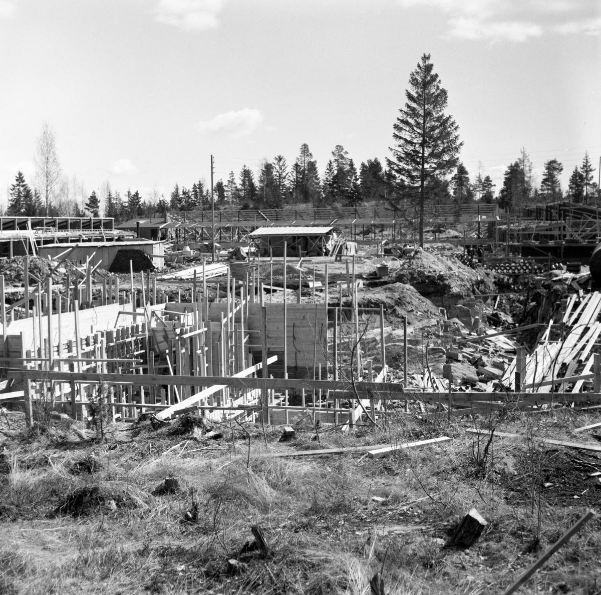 Grums: Skolbygge i Grums april 1958.