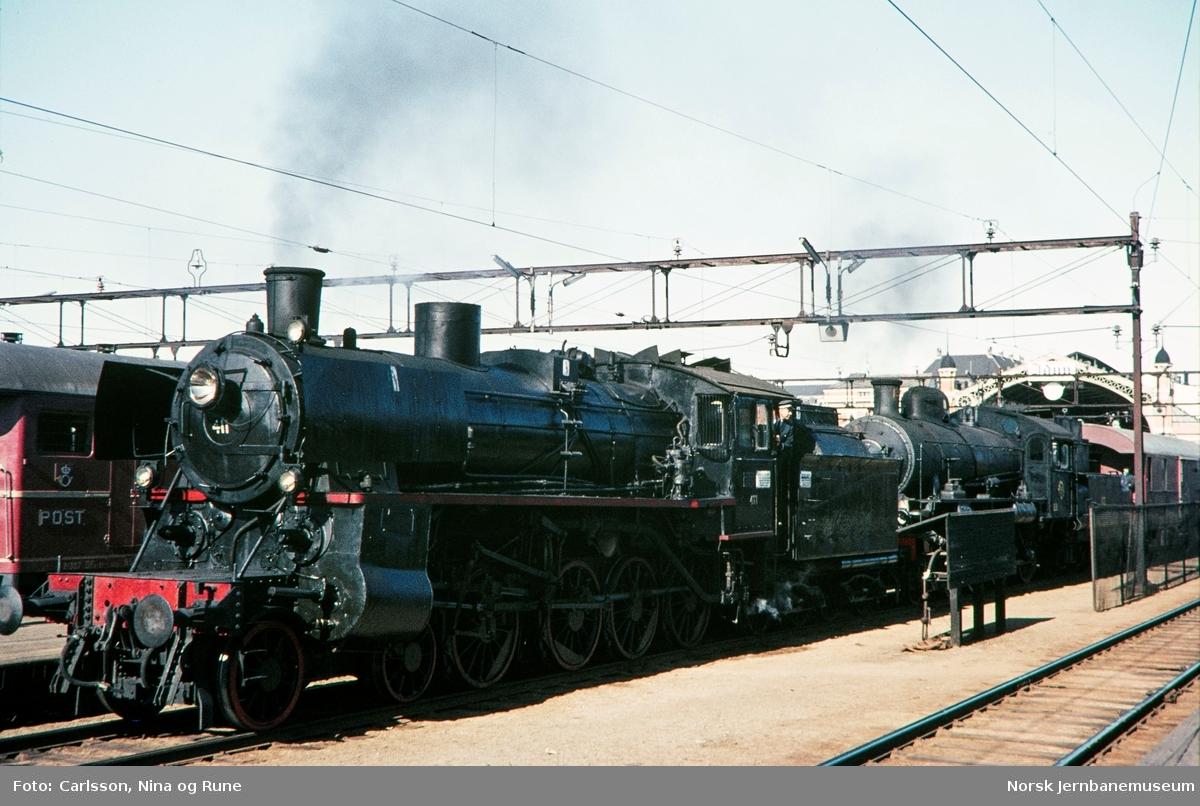 Damplokomotiv type 26c nr. 411 og SJ litra B nr. 1314 med ekstratog for Svenska Järnvägsklubben på Oslo Ø