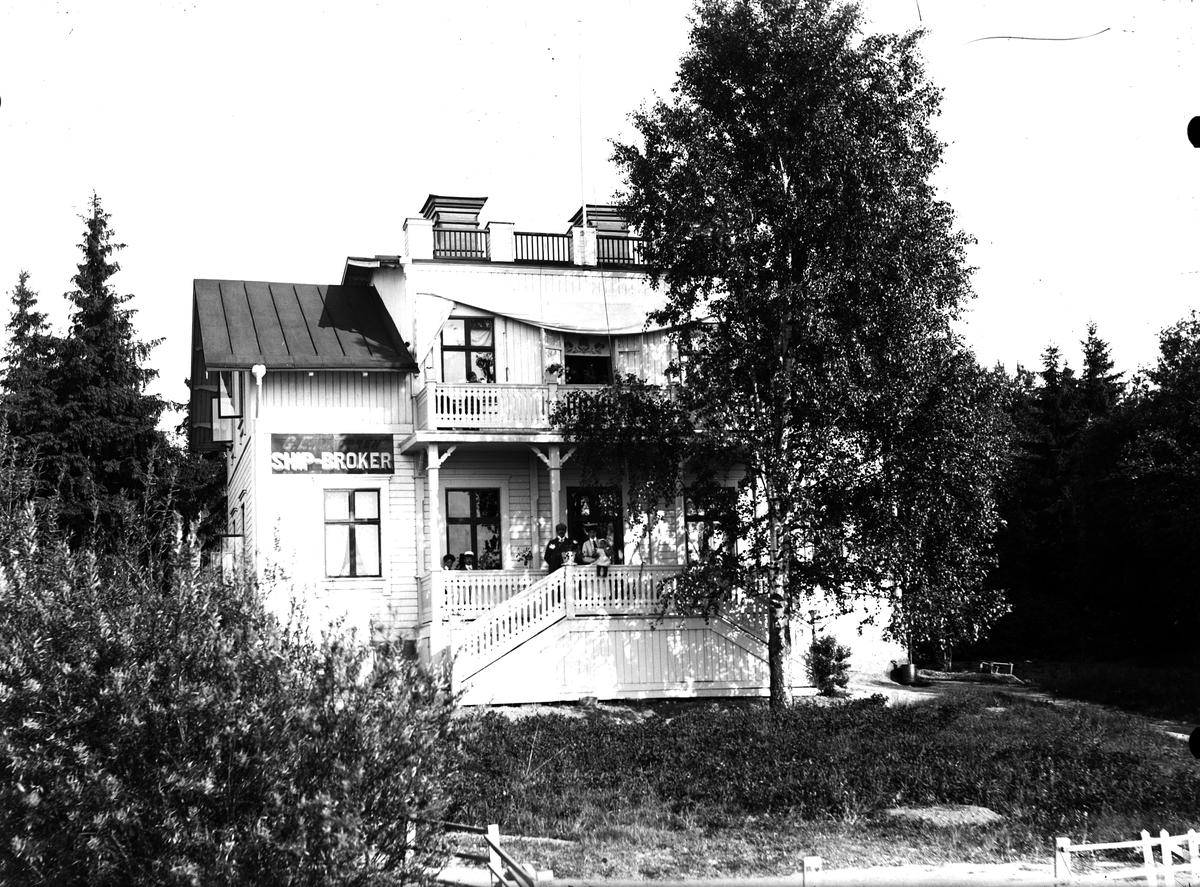 Villa, skylt (G.E...GREN SHIP-BROKER).