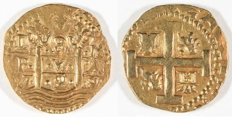 Dublon, Spanien 1729. Regent: Felipe V 1700 - 1724, 1724 - 1746. Motiv: Kryckkors med Kastilien - Leons vapen (Hercules krönta stoder uppstigande ur havet). Omskrift: Av åtsidan synes endast ...... G HISPAN ....)(På tre rader L 8 N P V A 7 2 9. Myntort: Gravör: Myntmästare: Rand: Slät. Stämpelställning: Myntfakta/Kommentar: Fjärdedels dublon = 2 dukater. Primitiv prägling. Proveniens: Diameter: 30 - 32 mm. Vikt: 26,83 gram. Litteratur: Se Rundqvist del III 1932 sid 3.