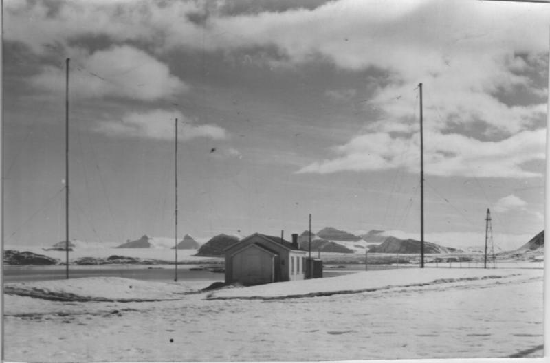 Radio- og kringskastingsstasjoner. Ny-Ålesund eksteriør historisk (Foto/Photo)