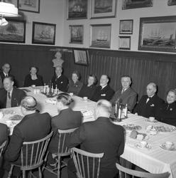Sjömanshemmet, Kaserngatan 54. Festlighet, kaffebord. Decemb