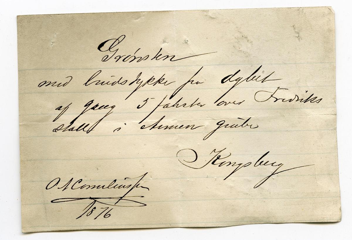 To etiketter i eske:  Etikett 1: Indslutning sp.v = 2.60  Etikett 2: Af grønstenporfyren Armen grube (antagelig O.A. Corneliussen – fra håndskrift på etikett 2)